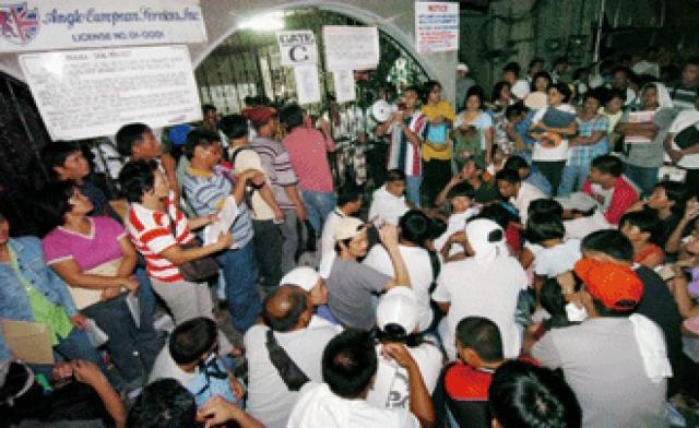 Filipinos Applying for Jobs in Iraq photo courtesy of www.alarabiya.net